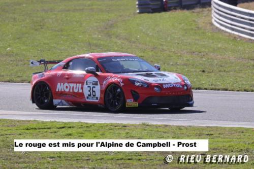 Le rouge est mis pour l'Alpine de Campbell-Prost